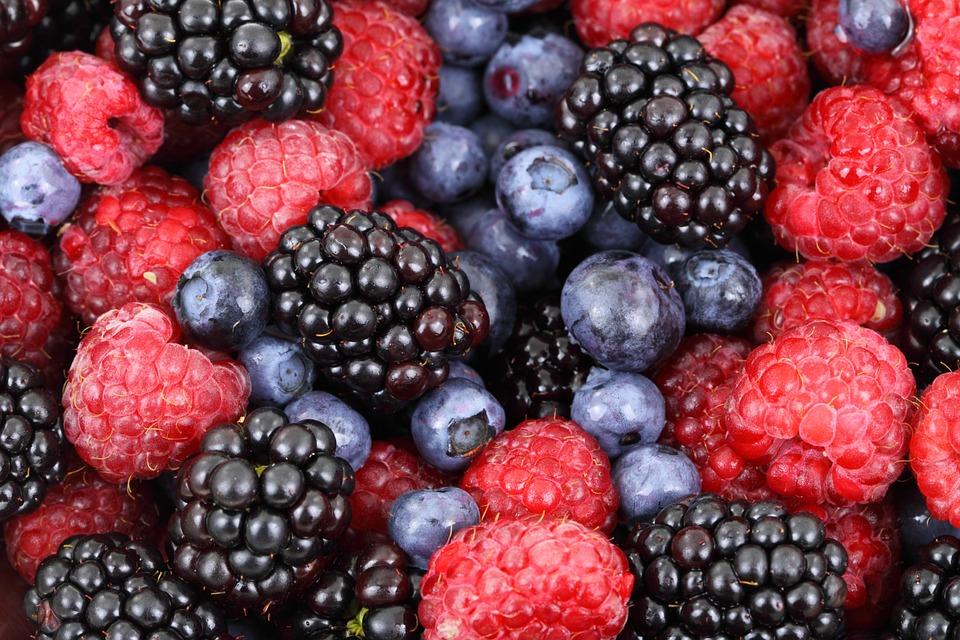 5 Ways Berries Can Improve Your Health